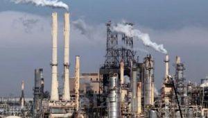 عمال الشركات النفطية بحضرموت يهددون بالعودة للإضراب