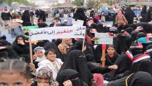 ثورة 11 فبراير.. والفجوة الأخلاقية بين الثوار والنظام