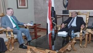 نائب الرئيس: التصعيد العسكري للحوثيين يقوض جهود السلام
