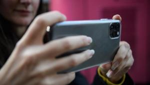 بين آيفون 11 برو وغوغل بكسل 4.. كيف تحقق أقصى استفادة من كاميرا هاتفك الذكي؟