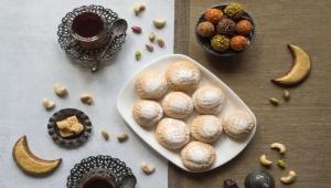 كم سيزيد وزنك إذا أكلت 10 كعكات يوميا في العيد؟