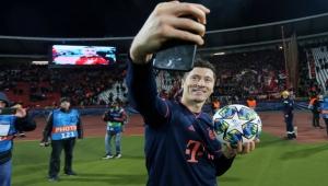 سجل رقما قياسيا.. ليفاندوفسكي أفضل لاعب بالدوري الألماني