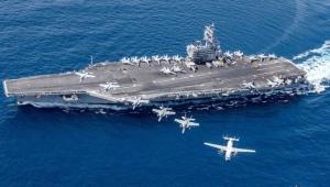 """البحرية الأميركية تنفي أن تكون أي """"تهديدات"""" وراء إعادة حاملة طائرات إلى الخليج العربي"""