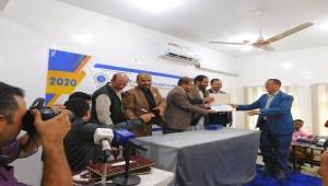 مأرب: تكريم 35 منظمة أهلية وإنسانية تلقت قياداتها تدريباً لرفع مستواها