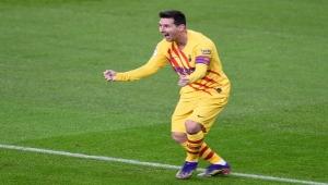 شاهد.. ميسي يقود برشلونة لاقتناص فوز ثمين على بلباو ويشعل صراع القمة بالليغا