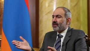 رئيس وزراء أرمينيا يرفض مطالب الجيش والمعارضة بالاستقالة ومظاهرات مؤيدة ومعارضة له بالشارع