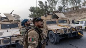أفغانستان.. صواريخ تعطل مطار قندهار وكابل تصد هجمات طالبان على 3 مدن رئيسية