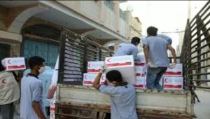 متطوعو أستر يتبرعون بـ75 طناً من المواد الغذائية لـ1500 أسرة فقيرة في حضرموت (ترجمة خاصة)