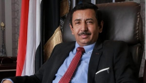 محافظ شبوة يطالب الداخلية بإدراج عصابة يقيم قيادتها في الإمارات بالقائمة السوداء (أسماء)