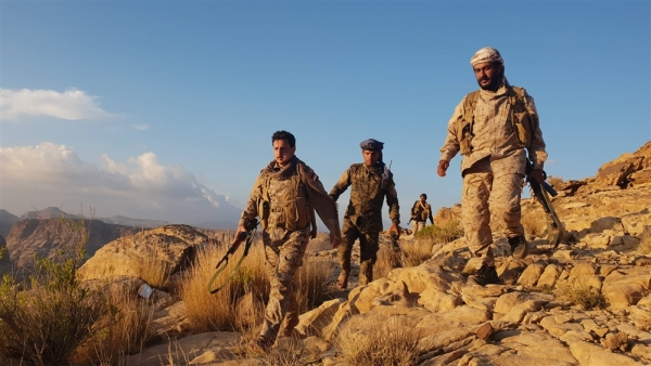 تقدم جديد للحوثيين في جبهات الحدود مع السعودية وغموض يكتنف الدوافع