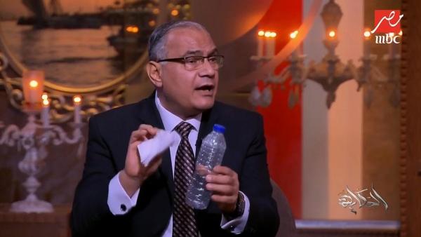 تزامنا مع أزمة السد.. إعلام السيسي يتساءل: كيف كان الرسول يتوضأ؟ وجمال مبارك يعود للواجهة