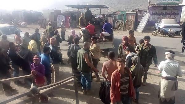 عدم تبني الحوثي لقصف الجيش في الضالع يثير التساؤلات.. من وراء ذلك؟