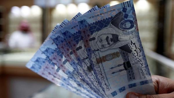 لإنقاذ موازنة البلاد من العجز.. السعودية توقف بدل غلاء المعيشة وتزيد ضريبة القيمة المضافة