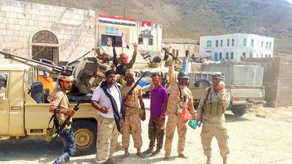سيطرة الإمارات على سقطرى.. ما دلالات البحث عن نصر في الأطراف الهشة عسكريا؟