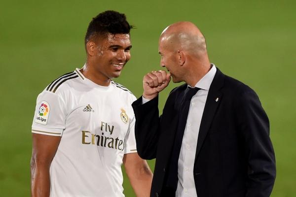 كيف تحول كاسيميرو من منبوذ في ريال مدريد إلى أفضل لاعب وسط بالليغا؟