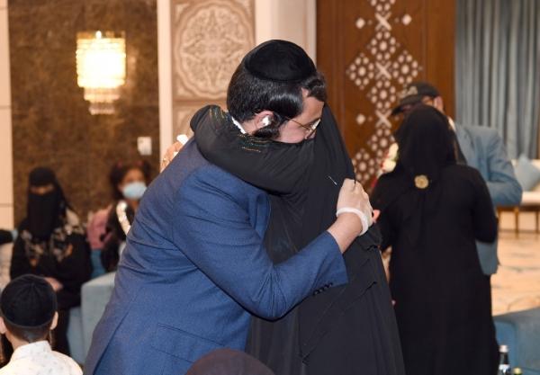 صحيفة لندنية: الإمارات تخطط لنقل آخر يهود اليمن إلى أراضيها