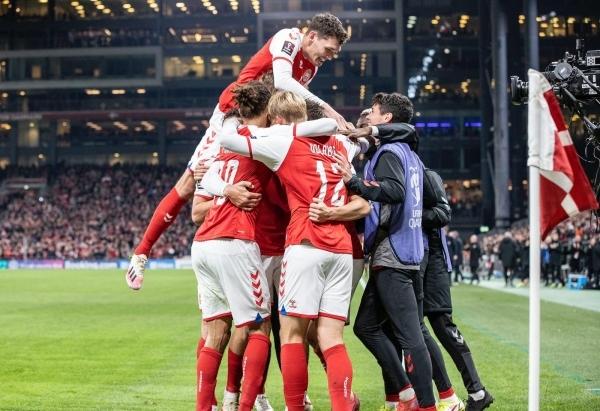 الدنمارك تضمن تأهلها رسمياً ورونالدو يواصل التحليق مع البرتغال وإنجلترا تتعثر