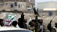 مواطنون في ذمار يرفضون خطيبا حاولت مليشيا الحوثي فرضه بالقوة (فيديو)