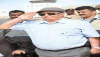 رئيس الجمهورية يوقف ترشيحات وكلاء محافظة شبوة ويوجه بتفعيل القائمين