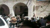 رواد الجامع الكبير وسط إب يطردون خطيبا حوثيا فرضته المليشيا