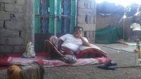 استياء واسع في شبوة جراء سجن مواطن وتقييده بالسلاسل من قبل أحد المتنفذين (صورة)