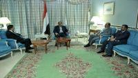 الوائلي محافظ إب يلتقي نائب الرئيس لبحث أوضاع واستكمال ألوية الجيش بالمحافظة