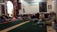 مليشيا الحوثي تقتحم مساجد بمدينة ذمار وتنهب مكتباتها وتمنع صلاة التراويح