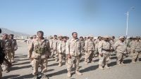 الضالع.. مجندون من اللواء 33 مدرع يقطعون خط صنعاء - عدن احتجاجاً على المماطلة في ترقيمهم