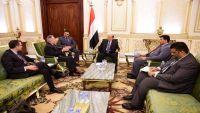 مسؤولان أمريكيان سابقان يوصيان بتنشيط عملية السلام في اليمن ومنح الحوثيين حكم ذاتي في صعدة