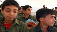 عمران .. شلل في العملية التعليمية والأهالي يلجأون لطرق بدائية لتدريس أولادهم (تقرير)
