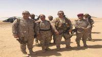 الفريق محسن يصل مأرب ويناقش التطورات الميدانية مع قائد قوات التحالف