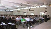 تراجع إقبال الفتيات على التعليم الجامعي في حضرموت.. وأكاديميون يوضحون الأسباب