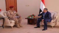 رئيس الوزراء يوجه بسرعة فتح منفذ رأس العارة بمحافظة لحج