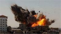 انفجارات عنيفة بأحد معسكرات الحوثي في البيضاء
