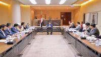 الحكومة تشيد بالمكاسب العسكرية التي حققتها قواتها مؤخرا في صعدة والحديدة