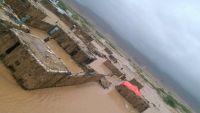"""""""بن عفرار"""" يوجه بـ 100 مليون ريال كإسعافات أولية للمنكوبين من إعصار """"لبان"""" في المهرة"""