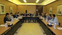 الأحزاب السياسية تطالب الحكومة البدء بمهامها في إدارة موانئ الحديدة