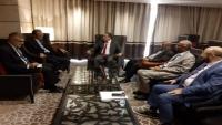 برلمانية الإصلاح تبحث مع السفير الفرنسي الترتيبات لعقد مجلس النواب في عدن