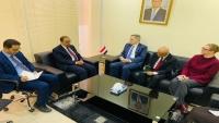 السفير الأمريكي: يٌتوقع تواصل حوثي مع القاعدة لتعزيز الفوضى بما يحقق حضور الأول