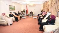هادي يلتقي رئيس البرلمان العربي وعددا من السفراء