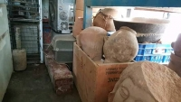 ضبط قطع أثرية نادرة في أحد المقرات السابقة لكتائب أبي العباس بتعز