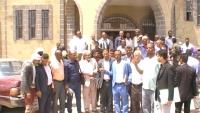 تعز.. محامون يحتجون في الشمايتين ضد ممارسات إدارة أمن المديرية