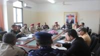 اللجنة الأمنية بتعز تؤكد على رفع النقاط الأمنية المخالفة على طريق تعز - التربة