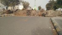 الحوثيون يحشدون في الحديدة ويحفرون خنادقا جنوب المدينة