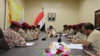 رئيس هيئة الأركان يؤكد استمرار الإعداد القتالي ورفد الجبهات
