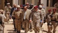 نائب الرئيس يلتقي قيادة السلطة المحلية والوحدات العسكرية بوادي حضرموت