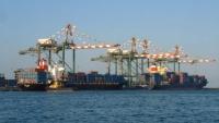 مسؤول في موانئ عدن يحذر من توقف نشاط الميناء إثر اقتحام مليشيات الانتقالي له