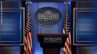 """""""أخذنا اللقاح"""".. ميكروفون يلتقط حوارا في البيت الأبيض يشعل نظرية المؤامرة عن وجود لقاح لكورونا"""