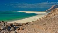الإمارات تسيطر على منطقتى آثار وتوقف بعثة بيئية روسية في سقطرى