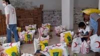 الهلال التركي يوزع ألفي سلة غذائية بمأرب